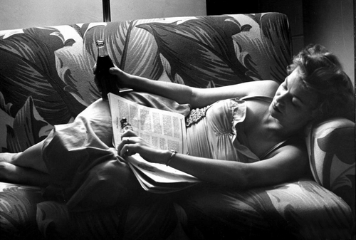 saturdaymorningpinup1952relaxing