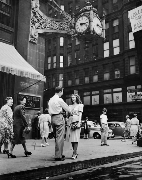 boymeetsgirlchicagomarshallfieldclock1947