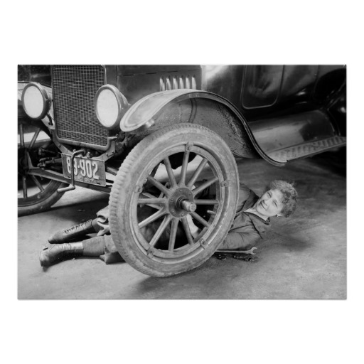 1920s_woman_car_mechanic_print-r4fb0e05cd0d94b4d874e2d749da5f2e7_aigfi_8byvr_512.jpg?bg=0xffffff
